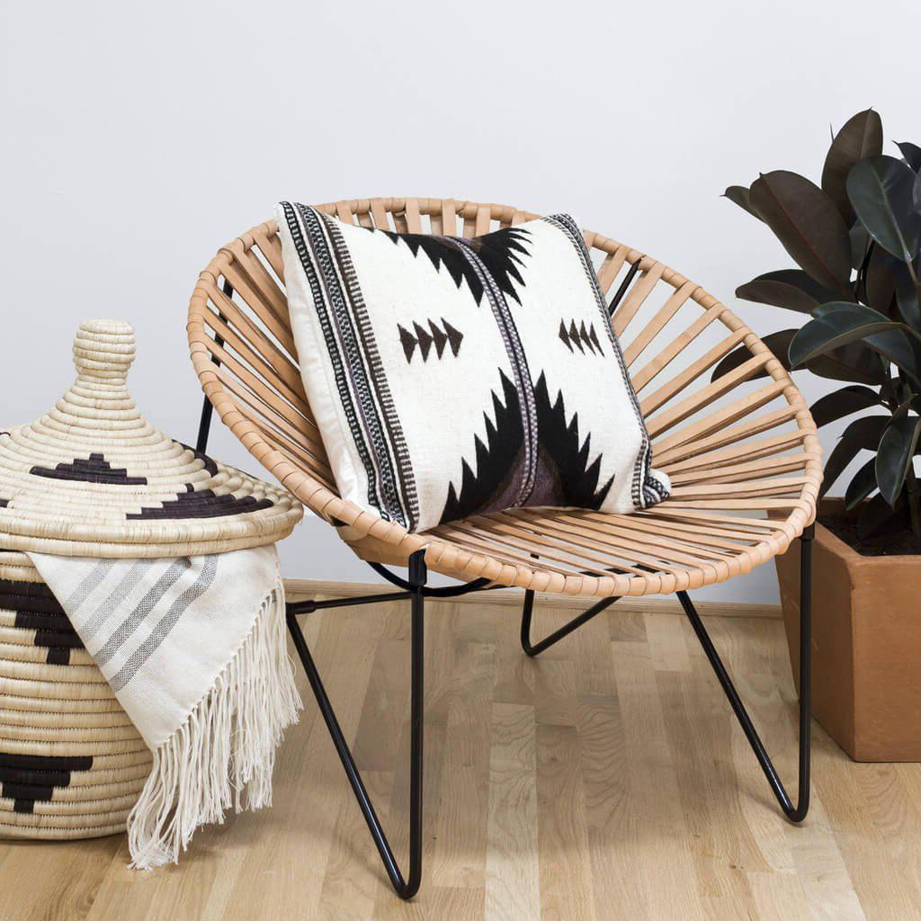 Un exemple de fauteuil acapulco avec une décoration scandinave