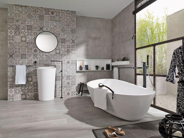 Chez avant gardening , on est fan de cette salle de bain carreaux ciment