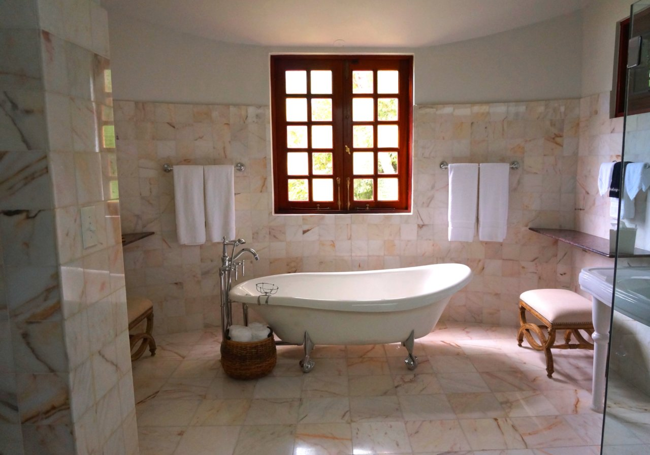D boucher une baignoire simple facile et efficace av - Baignoire bouchee que faire ...