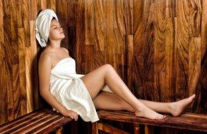 Une femme qui visiblement se relax plutôt pas trop mal !