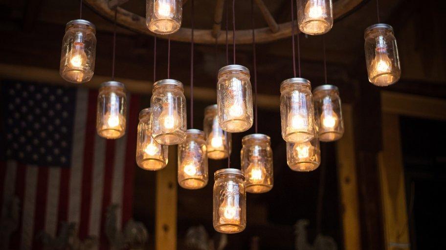 La Suspension luminaire, idéal pour mettre en valeur votre salon
