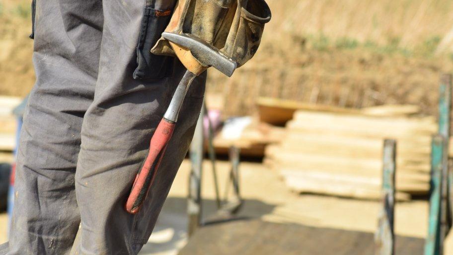 Bricoler chez soi : la tenue de travail est obligatoire !
