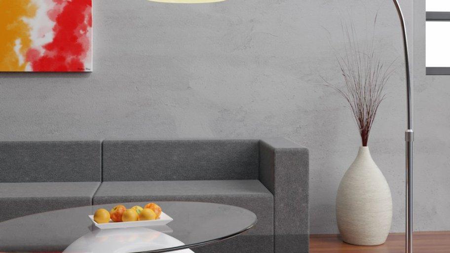 Le lampadaire arc : un éclairage design pour décorer son intérieur