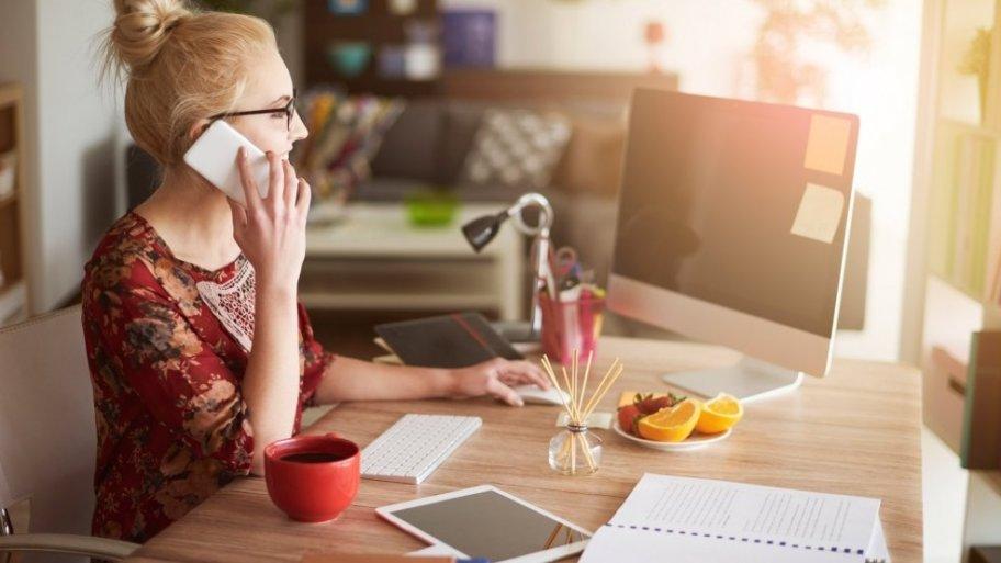 Travail à domicile: comment bien aménager son coin bureau?