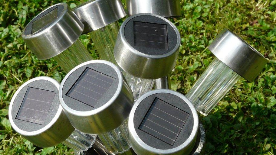 Meilleur Éclairage solaire extérieur : Comparatif et Guide d'achat 2019