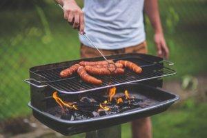 L'aliment sera cuit grâce à la chaleur qui émane de la grille de cuisson.
