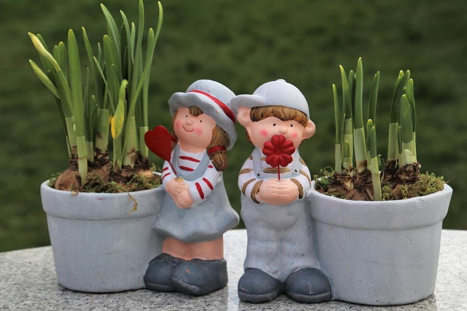 Il existe de nombreuses variétés de contenants dédiés au jardinage d'intérieur.