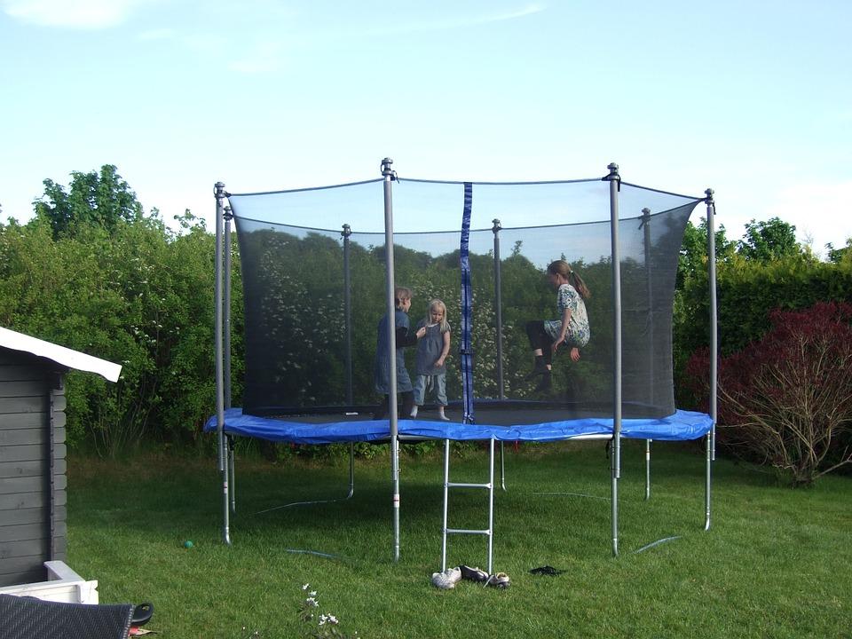 Un trampoline procure toujours du bonheur pour petits et grand.