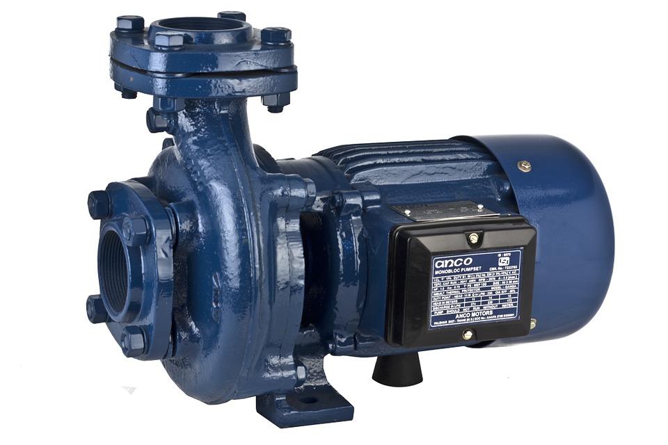La pompe de surface est un outil permettant d'aspirer un liquide.