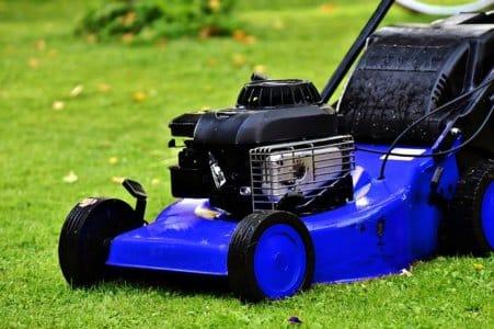 Comment entretenir les outils de jardinage motorisés ?