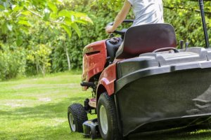 Il faut bien entretenir les outils de jardin motorisés
