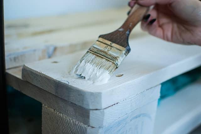 Nos conseils pour peindre l'acrylique sur du bois