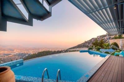 Revêtement piscine : Pourquoi opter pour du carrelage ?