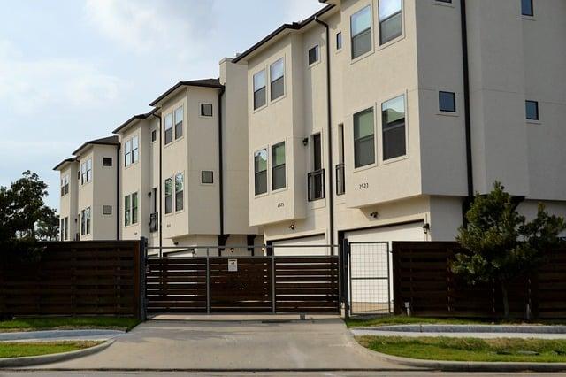 Comment bien choisir son portail de maison ?