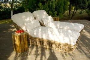 Une terrasse en bois peut améliorer considérablement l'esthétique de votre extérieur