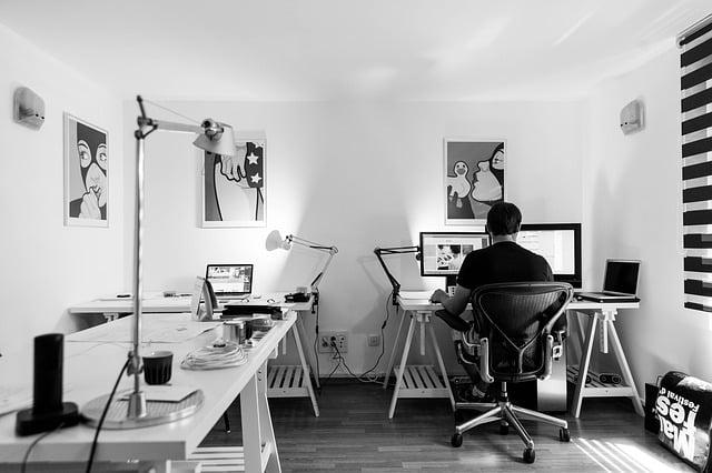 Soyez attentif à l'ergonomie pour bien agencer votre bureau