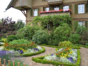 Un paysagiste pour avoir un regard professionnel et expérimenté sur l'extérieur de votre maison