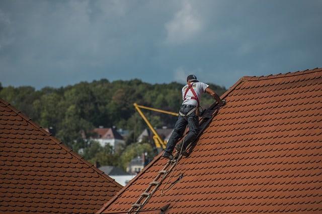 Les éléments à vérifier avant de procéder à une rénovation de toiture