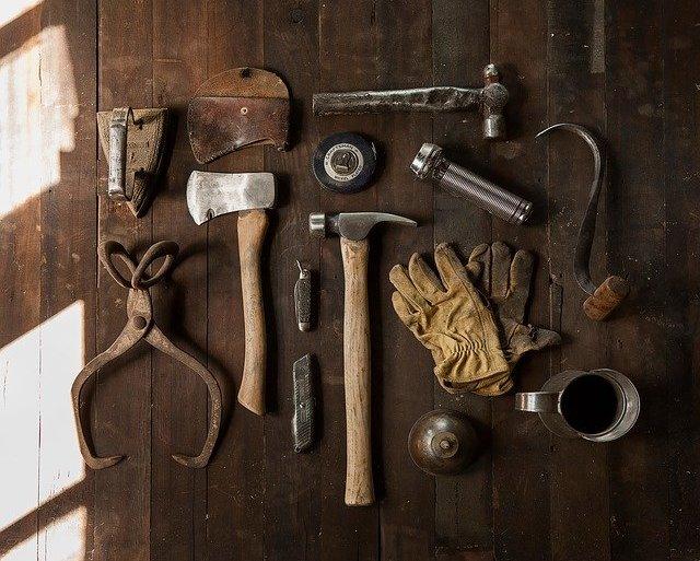 Les outils de base à avoir pour jardiner et bricoler
