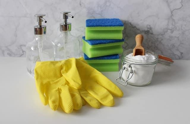 Vous pourrez utiliser des limes ou des brosses métalliques pour frotter et Enlever La Rouille